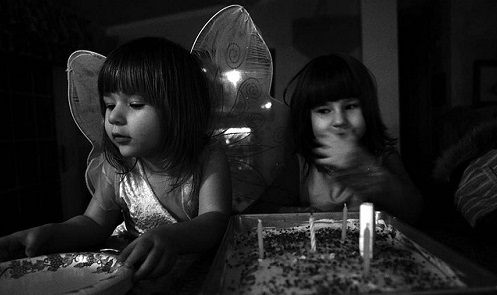 bambine-con-torta