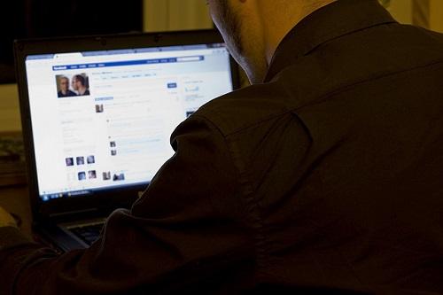 Se-papà-mi-chiede-lamicizia-su-Facebook-mi-risulta-più-simpatico