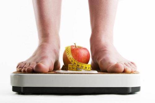 Più-spesso-ci-si-pesa-più-chili-si-perdono