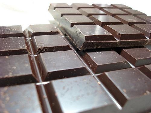 Il cioccolato fondente migliora l'attenzione ed evita l'abbiocco pomeridiano