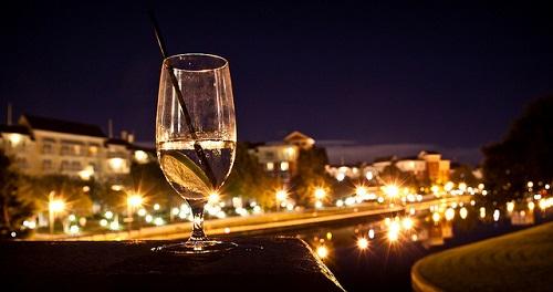 Meglio vedere il bicchiere mezzo pieno o mezzo vuoto