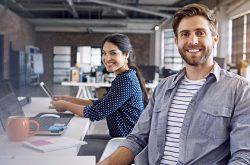 La felicità porta il successo nel lavoro?